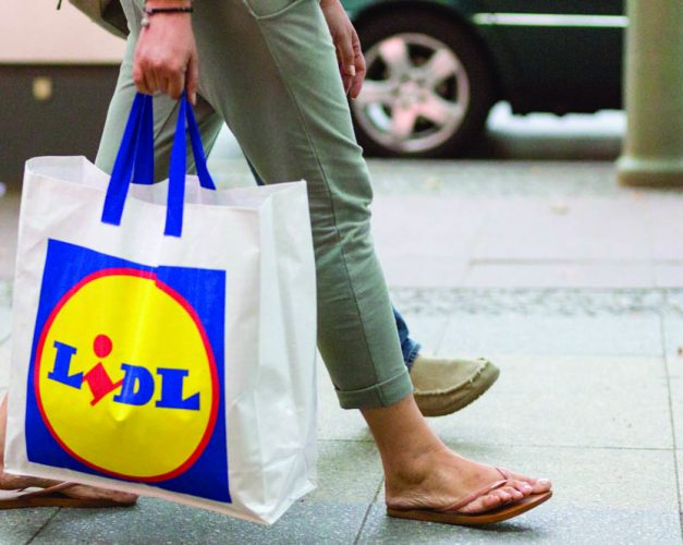 Lidl to scrap all plastic bags by end of year