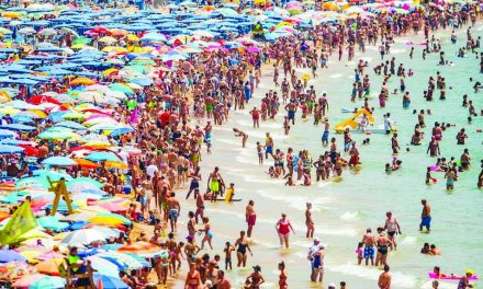International tourist arrivals slowing down in Spain