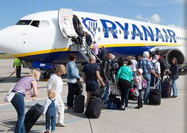 Ryanair scraps two bag policy