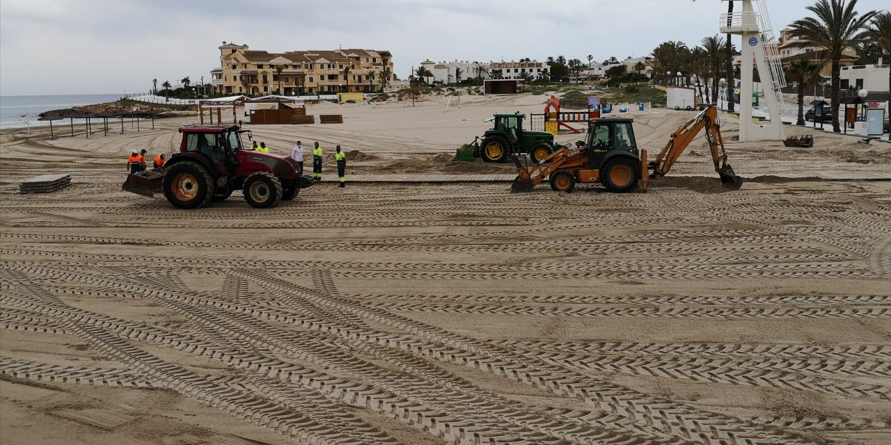Cleaning work on beaches and promenades